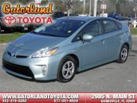 THIS PRIUS IS CERTIFIED! CARFAX ONE OWNER! NAVIGATION