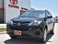 Cloth. Recent Arrival! Clean CARFAX. Black 2015 Toyota