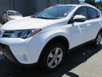 EPA 29 MPG Hwy/22 MPG City! CARFAX 1-Owner, LOW MILES -