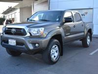 New Arrival! CarFax 1-Owner, This 2015 Toyota Tacoma