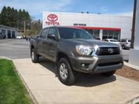 ONE OWNER!! 2015 TOYOTA TACOMA SR5!! DOUBLE CAB, 4WD,