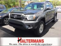 Crew Cab! 4 Wheel Drive! This wonderful 2015 Toyota