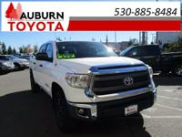 ONE OWNER, TOWING PACKAGE, 4WD! This 2015 Toyota Tundra