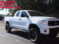 Options:  2015 Toyota Tundra Sr5 4X4 4Dr Double Cab