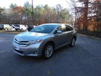 Step into the 2015 Toyota Venza! Maximum utility meets