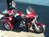 2015 TRIGLIDE LIKE NEW LESS Than 1500 MILES ALL THE