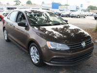 Jetta Volkswagen 2015 2.0L S CARFAX One-Owner. *BACKUP