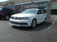 Step into the 2015 Volkswagen Jetta! This is an