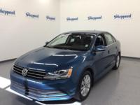EPA 45 MPG Hwy/31 MPG City! CARFAX 1-Owner, LOW MILES -