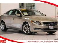 NAVIGATION - LEATHER - HEATED SEATS - BACKUP CAMERA -
