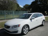Options:  2015 Volvo V60 T5 Drive-E Premier|Come And