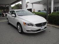 Exterior Color: crystal white pearl, Body: Wagon,