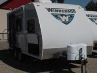 # 20053 2015 Winnebago Micro Minnie 1706FB New 17'