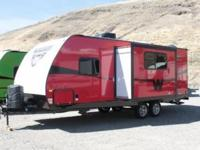 2015 Winnebago Minnie 2351DKS. New 23 Travel Trailer.