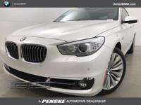 535i trim, Mineral White Metallic exterior and Leather