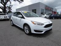 2016 Ford Focus SE, ** Back-Up Camera **Power Moonroof