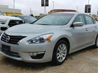 This 2015 Nissan Altima 2.5 S is offered to you for
