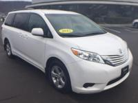 CARFAX One-Owner.White 2015 Toyota Sienna LE 7