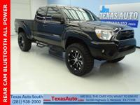 TRD OFF ROAD-4X4-LIFTED-REAR CAM-BLUETOOTH-POWER