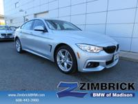 EPA 33 MPG Hwy/22 MPG City! CARFAX 1-Owner, LOW MILES -