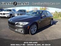 2016 5 SERIES 528XI with LOW MILES **Power Tilt