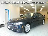 FUEL EFFICIENT 33 MPG Hwy/22 MPG City! NAV, Sunroof,