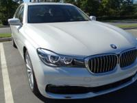FUEL EFFICIENT 29 MPG Hwy/21 MPG City! CARFAX 1-Owner,