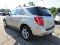 Options:  2016 Chevrolet Equinox Lt|Champagne Silver