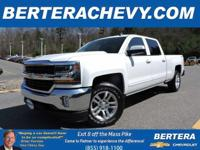 **ONE OWNER/CLEAN CARFAX** 4x4 Crew Cab LT, 5.3 L,