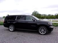 Chevrolet Suburban V8 2016 LT Black Clean CARFAX. *3RD