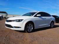 Bright White Clearcoat 2016 Chrysler 200 Limited FWD