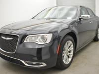 FUEL EFFICIENT 31 MPG Hwy/19 MPG City! CARFAX 1-Owner.