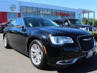 ***CLEAN CARFAX** **ONE OWNER*** PANORAMIC SUNROOF,