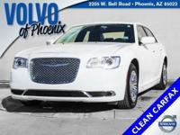 2016 Chrysler 300 Limited Bright White Clearcoat 3.6L