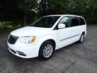 Mmmm Hmmm... This Gorgeous 2016 Chrysler Town & Country