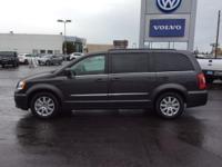 CARFAX 1-Owner. FUEL EFFICIENT 25 MPG Hwy/17 MPG City!