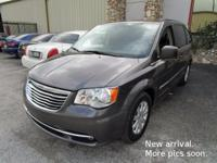 **UNIVERSITY MITSUBISHI** 1-Owner 2016 Chrysler Town &