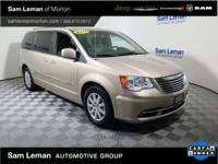 2016 Chrysler Town & Country Touring in