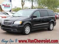 Clean CARFAX. CARFAX One-Owner.  2016 Chrysler Town &
