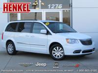 Options:  2016 Chrysler Town & Country Touring|Bright