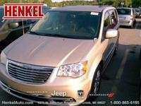 Options:  2016 Chrysler Town & Country Touring|Granite
