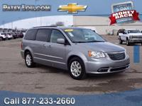 2016 Town & Country Touring - Clean CARFAX **Rear