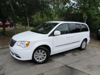 This 2016 Chrysler Town & Country 4dr 4dr Wagon Touring