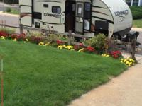 2016 travel trailer, 25',sleeps 4,  like new, will