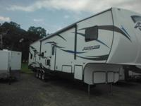 (856) 672-3381 ext.1333 This fifth wheel is equipped