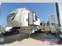 2016 CROSSROADS RV HILL COUNTRY HCF33RL - FIFTH