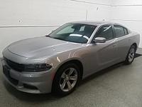 Options:  2016 Dodge Charger Sxt|Priced Below Kbb Fair