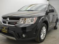 FUEL EFFICIENT 26 MPG Hwy/19 MPG City! CARFAX 1-Owner.