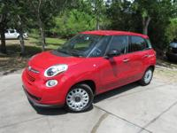 Options:  2016 Fiat 500L Pop|This 2016 Fiat 500L 4Dr