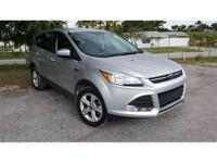 *New arrival* clean carfax one owner, 2016 ford escape